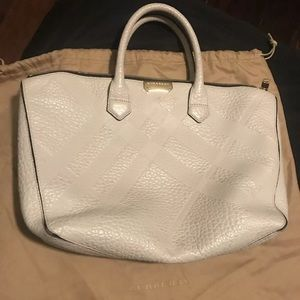 Burberry 100% Auth grey pebbled leather Satchel